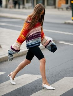 Cycling Shorts -- The 9 Key Street Style Trends for 2019 Grunge Look, Grunge Style, Edgy Style, 90s Grunge, Soft Grunge, Grunge Outfits, Street Style Trends, Top Street Style, Song Of Style