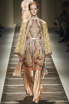 http://www.vogue.com/fashion-shows/spring-2016-ready-to-wear/etro/slideshow/collection