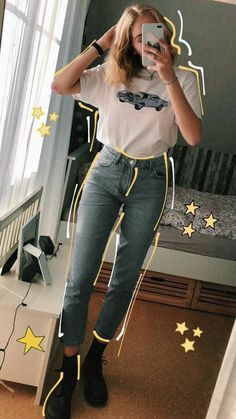 Pin on stylin' Pin on stylin' Mode Outfits, Trendy Outfits, Girl Outfits, Fashion Outfits, 90s Fashion, Style Fashion, Vintage Hipster Outfits, Grunge Hipster Fashion, Artsy Outfits