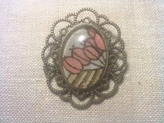 Bronze Tone Retro Style Brooch with Vintage Fabric in Pink and Beige £8.00