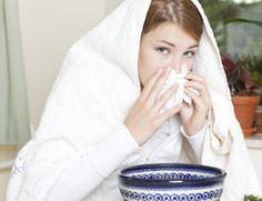 Comment faire une inhalation en cas de sinusite ? Découvrez ce remède de grand-mère pour soulager une sinusite. Cette inhalation maison va décongestionner le nez et les sinus.