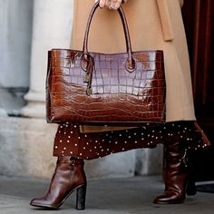 Welcome to Hnadbags . Here you will uncover luxury purses, pretty handbags, funky Here you will see luxury totes, Here you will see luxury totes designer, Here you will discover luxury handbags. Fall Handbags, Cute Handbags, Cheap Handbags, Handbags On Sale, Luxury Handbags, Fashion Handbags, Purses And Handbags, Fashion Bags, Luxury Purses