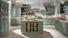 TOP cozinha country (no campo) Shabby Chic Kitchen, Kitchen Decor, Scavolini Kitchens, Sage Green Kitchen, Modern Kitchen Island, Italian Home, Kitchen Cabinet Hardware, Italian Furniture, Cuisines Design