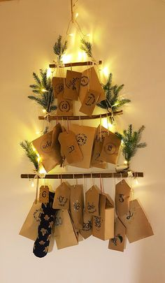 Super great advent calendar, which is very easy to make and for a . - Advent calendar ideas - Baby Stuff and Crafts Christmas Mood, Noel Christmas, Christmas Design, Holiday, Advent Calenders, Diy Advent Calendar, Calendar Ideas, Winter Crafts For Kids, Crafts For Kids To Make