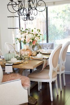 Home and Fabulous Have A Happy Holiday, World Of Interiors, Creative Outlet, Thanksgiving Table, Dinner Table, Favorite Holiday, Neutral Colors, Dining Chairs, Table Settings