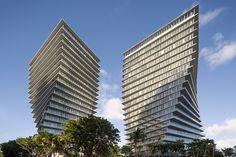 big-grove-at-grand-bay-twisting-towers-miamicoconut-grove