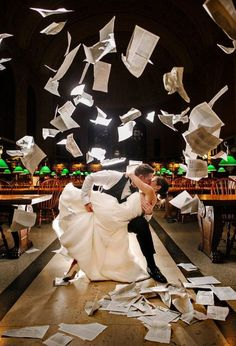 A wedding photo that every book lover needs!