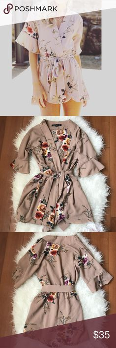 🌸🌼EUC  NLW TAN FLORAL ROMPER, SIZE SMALL🌼🌸 Adorable like new NLW floral romper.  Size small.  Please let me know if you have any questions! NLW Shorts