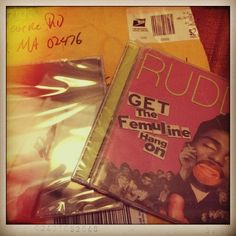 Hoy llego a nuestra oficina en miami para difusion! they arrive today to our #miami office! #JohnPowhida #TheRudds #Boston #USA #indie #alternative #rock #soul! thanks for sending us your albums! Gracias x enviarnos sus discos! los podes escuchar en #radiomangopapachango #argentina desde todo el mundo! you can listen them from all the world! @mangopapachango #indie #radio #music #station #getthefemulinehangontherudds #airportlife #album