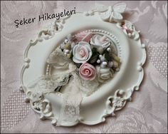 kokulu taş çerçeve - Google'da Ara Shabby Chic Clock, Shabby Chic Crafts, Easter Crafts, Fall Crafts, Diy And Crafts, Work Gifts, How To Make Paint, Clay Ornaments, Polymer Clay Crafts