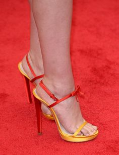Pin for Later: The Met Gala Is Like the Super Bowl of Accessories Elizabeth Olsen The actress brought a touch more color to her look with a pair of bright two-tone Miu Miu heels. Hot High Heels, Womens High Heels, Strappy Heels, Stiletto Heels, Actress Feet, Miu Miu Heels, Elizabeth Olsen Scarlet Witch, Olympia Shoes, Cute Toes