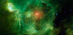 It's a Christmas wreath . 1000 light years away: Nasa discovers amazing nebula (complete with red bow and silver bells) Hubble Pictures, Nasa Photos, Hubble Images, Fotos Do Hubble, Milky Way Stars, Earth View, Space Planets, Star Formation, Orion Nebula