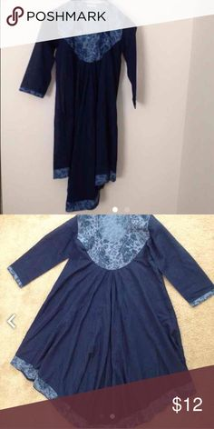 Indian Bollywood style dress (kurta)💐 Fresh indigo look. Stylish fish cut at the bottom. Bust 35 inches, length 43 inches. Little sparkles on the neck design. Looks great with leggings (not included). In great condition. Dresses