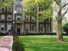 Lewisohn Hall at Columbia University in the summer time