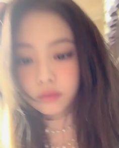 Kim Jennie, Kpop Girl Groups, Kpop Girls, Kpop Girl Bands, Mode Kpop, Blackpink Video, Black Pink Kpop, New Shape, Blackpink Photos