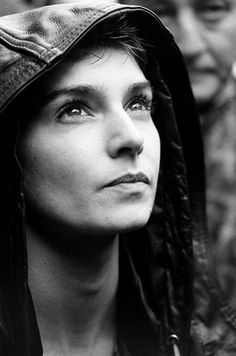 Sinéad O'Connor - Flamboyant Gamine (French Ethereal + Wind Ethereal + Crimson Ethereal + Energetic Ethereal + Fairytale Ethereal) + Luminous Ethereal + Rose Ethereal Angry Girl, Nina Hagen, Grace Jones, Josephine Baker, Lady Gaga, Music Bands, Old Women, Music Artists, Famous People