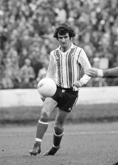 Hugh Fisher of Southampton in action during the Football League Division Two match between Chelsea and Southampton at Stamford Bridge on October 1976 in London, England. Southampton Football, Southampton Fc, Retro Football, Football Kits, Stamford Bridge, My Youth, Fisher, 1970s, Chelsea