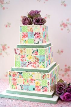 Hand-painted #wedding cake ideas: http://www.weddingandweddingflowers.co.uk/article/1183/hand-painted-wedding-cake-ideas