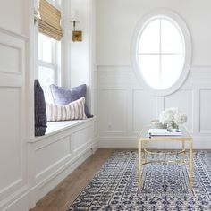 This quaint and light-filled space by the designers at @shea_mcgee features a historical yet contemporary rug from @smithsonian's collection for Surya (SMI-2113).
