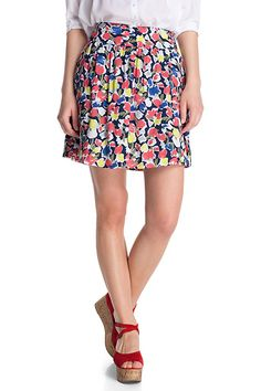 Not a big fan of floral themed clothes but this skirt is just so pretty