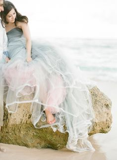 ombre dusty blue tulle beach wedding gown with pink tulle underskirt and ribbon edging Mod Wedding, Wedding 2015, Dream Wedding, Blue Wedding, Wedding Beach, Trendy Wedding, Top Wedding Trends, Wedding Styles, Wedding Ideas