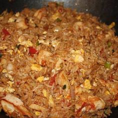 Looks delish! Thai fried rice gets it's unique flavor from the fish sauce, soy sauce and chili peppers. The jasmine rice is a must! Rice Recipes, Asian Recipes, Chicken Recipes, Cooking Recipes, Healthy Recipes, Arabic Recipes, Healthy Foods, Cooking Tips, Recipies
