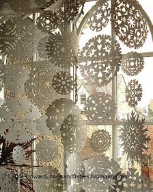 Bugs and Fishes by Lupin: Snowflake Curtain. This would be fun to have hanging on their door sill when they wake up Christmas morning.