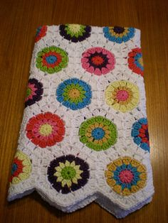 I used Lucy's tutorial for this blanket -  http://attic24.typepad.com/weblog/hexagon-howto.html