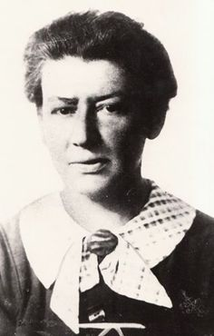 """1938- Käthe Pick Leichter is arrested by the Gestapo. Her husband & children escape to the US. The Austrian-Jewish socialist has long championed the cause of working women & she joined the underground when the Nazis invaded. """"The issue was not opportunity for a few privileged women, but the raising of the miserable conditions of working women."""" Leichter survives 3 years of hard labor but is gassed to death in 1942. She writes her memoirs & poems in prison, some of which survive. Working Woman, Memoirs, Alter, 3 Years, Prison, Raising, Opportunity, Poems, Cordial"""