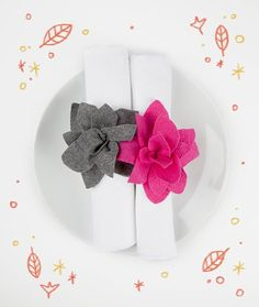 Have the kids make these flower napkin rings with felt and scissors. A few snips here and there and voila! A handmade and personalized Thanksgiving table.