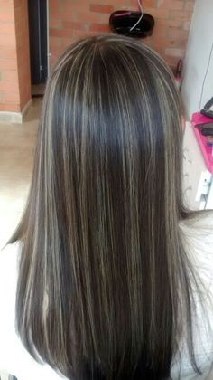 100 dark hair with heavy platinum highlights perfect when you're going grey pa. 100 dark hair with Brown Hair With Silver Highlights, Brown Blonde Hair, Light Brown Hair, Brunette Hair, Dark Brown Hair With Blonde Highlights, Baby Highlights, Long Brunette, Brunette Highlights, Gray Hair