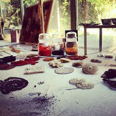 18 ottobre 2012 Dandelion, iPhone Instagram Backstage photo set still life emozionale.  Art Director: Lapo Secciani  Photographer: Lapo Secciani