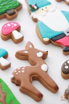I am in love with these Woodland Themed cookies from Sweetopia. I wish I were that talented!