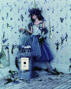 """Jo Malone's """"Wild Bluebell"""" fragrance ad campaign features Iekeliene Stange and was photographed by Tim Walker. Jo Malone's """"Wild Bluebell"""" fragrance ad campaign features Iekeliene Stange and was photographed by Tim Walker. Jo Malone 香水, Tim Walker Photography, Wild Bluebell, Perfume Fahrenheit, Perfume Invictus, Magazine Vogue, Chesire Cat, Foto Fashion, Style Fashion"""
