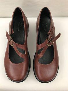 182883423de Dromedaris Brown Leather Mary Jane women s size US 8-8.5   EU 38  fashion