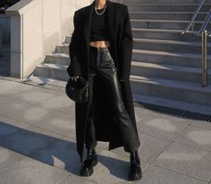Edgy Outfits, Classy Outfits, Winter Outfits, Fashion Outfits, Black Outfits, Travel Outfits, Mode Rihanna, Mode Ootd, All Black Outfit