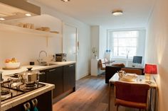 Amsterdam, Netherlands Vacation Rental, studio, 1 bath, kitchen with WIFI in Between the canals. Thousands of photos and unbiased customer reviews, Enjoy a great Amsterdam apartment rental perfect for your next holiday. Book online!