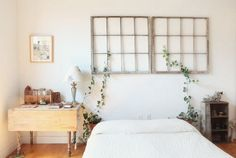 like the frames above the bed