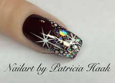 What you need to know about acrylic nails - My Nails Xmas Nails, New Year's Nails, Holiday Nails, Christmas Nails, Christmas Glitter, Christmas 2017, Fancy Nails, Bling Nails, Cute Nails