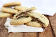 tender vanilla cookie with creamy nutella filling; the secret is in making a large homemade nutella chips, which is very easy