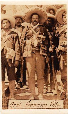 José Doroteo Arango Arámbula, más conocido por su seudónimo Francisco Villa o el hipocorístico de éste, Pancho Villa, fue uno de los jefes de la revolución mexicana.
