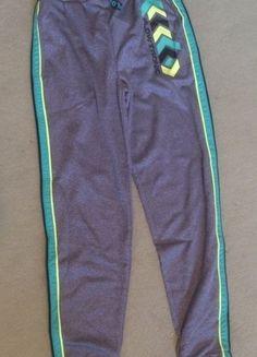 Kaufe meinen Artikel bei #Mamikreisel http://www.mamikreisel.de/kleidung-fur-jungs/hosen-hosen/19815615-neue-mit-etikett-jogginghose-140-sporthose