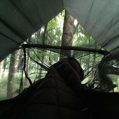 Morning alll . . @ddhammocks #ddhammock #ddtarps #tarp3x3 #frontlinehammock #hammocklife #hammockcamping #campvibes #camping #exploretheworld #exploretheoutdoors #treelovers #forestcamp #outinthewoods #notallwhowanderarelost #leavenotrace #takeonlypictures