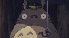 I love ghibli movies so much. I watch them when I'm sad, and when I'm happy. I love the stories, the characters, the animation, everything. And I think Totoro is so damn cute! Art Studio Ghibli, Studio Ghibli Movies, Hayao Miyazaki, Roronoa Zoro, Sword Art Online, Illustration Studio, Couples Anime, Isao Takahata, Anime Gifs