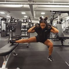 "16.1k Likes, 409 Comments - HANNA ÖBERG (@hannaoeberg) on Instagram: ""The first exercise made my legs buuurn at the first set... Have you tried this side lunges guys?…"""