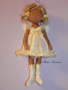Atelier Romana. Love her hair, boots, skin color - everything!
