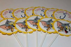 Tom and Jerry Cupcake Toppers by littleshoppeofpaper on Etsy 5th Birthday, Birthday Party Themes, Birthday Ideas, Happy Birthday, Tom Y Jerry, Cupcake Toppers, Party Ideas, Kids, Etsy