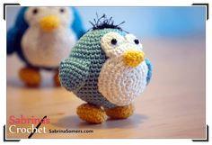 Pequeño Pingüino Amigurumi - Patrón Gratis en Español aquí: http://www.sabrinasomers.com/free-crochet-pattern-little-penguin-spanish.php
