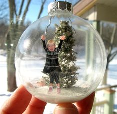 Make a Snow Diorama Glass Ornament INTRO: Every year each member our family gives each other a new Christmas ornament. This year I wanted to try giving something a little more personal than the. Picture Christmas Ornaments, Diy Photo Ornaments, Christmas Ornament Crafts, Preschool Christmas, Christmas Crafts For Kids, Xmas Crafts, How To Make Ornaments, Christmas Projects, Christmas Diy