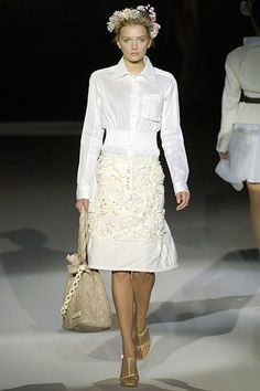 Louis Vuitton Spring 2007 Ready-to-Wear Fashion Show - Ekat Kiseleva
